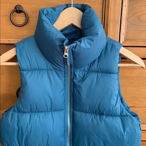 NWOT Old Navy Frost Free Puffer Vest